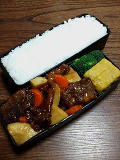 豚肉カリカリ揚げと竹ノ子の煮物