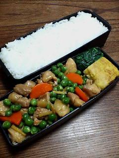 鶏肉とグリーンピースの煮物
