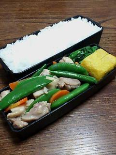 鶏肉とスナップエンドウの炒め物