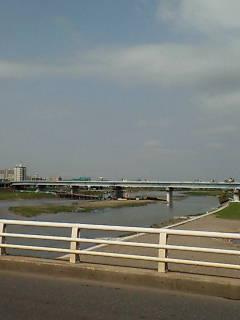 多摩川を越えました