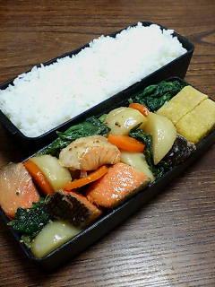 鮭とカブの粒マスタード醤油炒め
