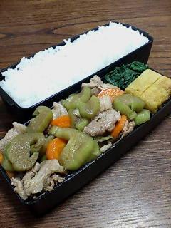 豚肉とハスイモの生姜炒め