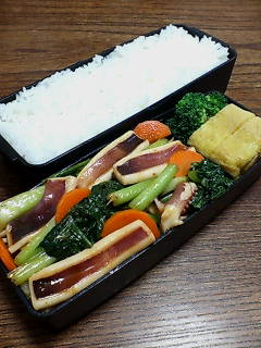 イカとタアサイの炒め物