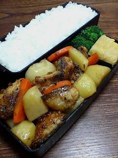 鯖とジャガイモの黒酢炒め
