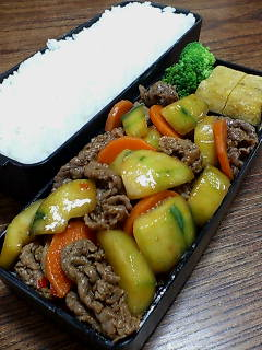 牛肉と加賀太キュウリの炒め物