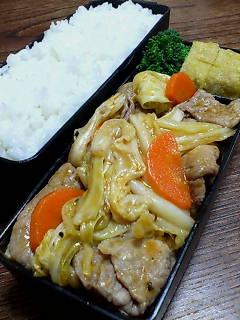 豚肉とキャベツのケチャップ黒酢炒め