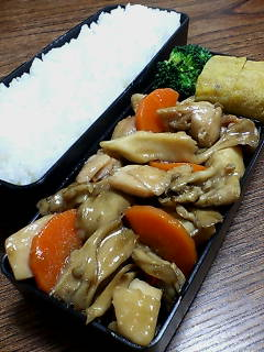 鶏肉と舞茸の醤油膏炒め