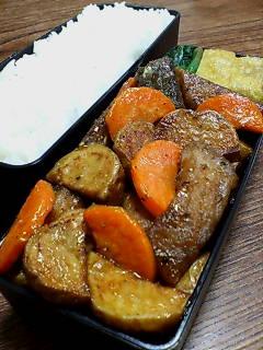 揚げサバと揚げジャガイモのオイスター黒酢炒め