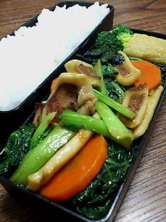 イカと縮み菜のオイスターカレー炒め