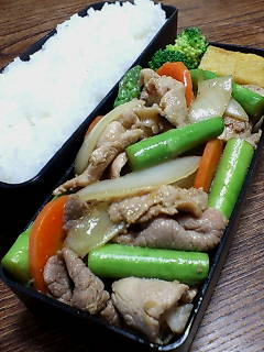 豚肉とアスパラの生姜炒め