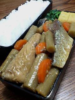 鯖とゴボウの味噌煮