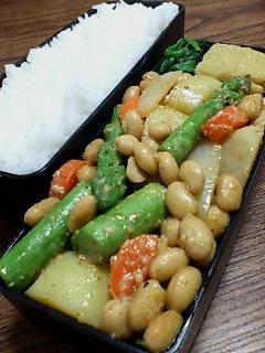 大豆とアスパラの鉄火味噌和え