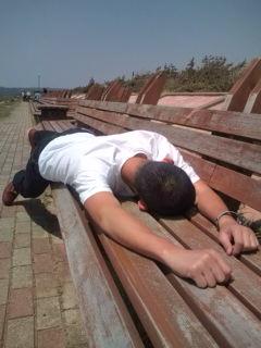 世界一長いベンチで第二の被害者
