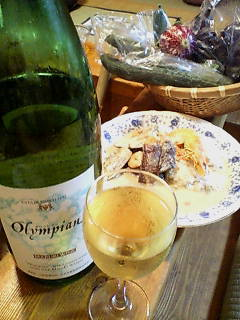 一升瓶ワインとグリーンカレー
