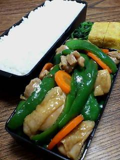 鶏肉とピーマンの醤油柚子胡椒炒め