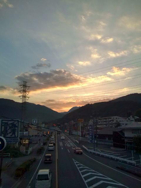 箱根の山に日が沈む