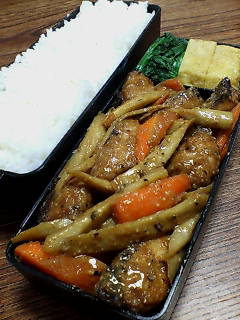 鯖とゴボウの味噌炒め