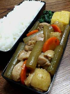 鶏肉とフキの煮物