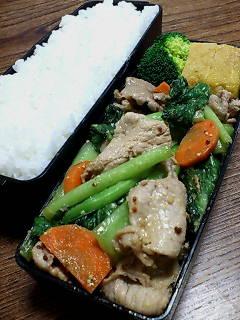豚肉と小松菜の味噌マスタード炒め