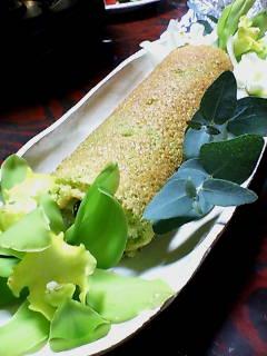菜の花黒豆ロールケーキ