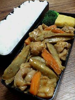 鶏肉とゴボウの甜麺醤味噌炒め