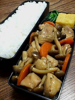 鶏肉とシメジのタイム醤油炒め