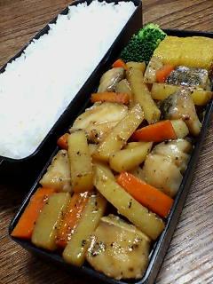 鱈とジャガイモの黒胡椒炒め