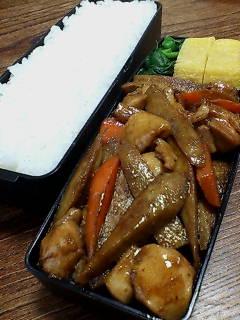 鶏肉とゴボウの甜麺醤山椒炒め