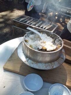 サンマと栗ご飯を準備