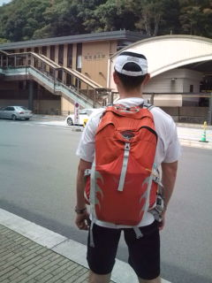 箱根湯本駅前通過