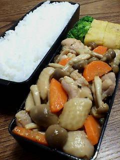 鶏肉とシメジの黒酢味噌炒め