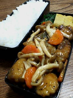 鯖とシメジの黒酢炒め