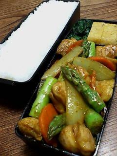 鶏肉とアスパラのカレーオイスター炒め