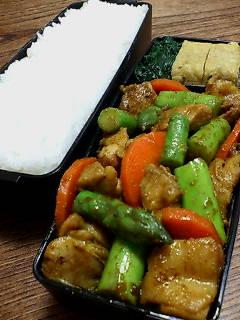 鶏肉とアスパラガスのカレー炒め