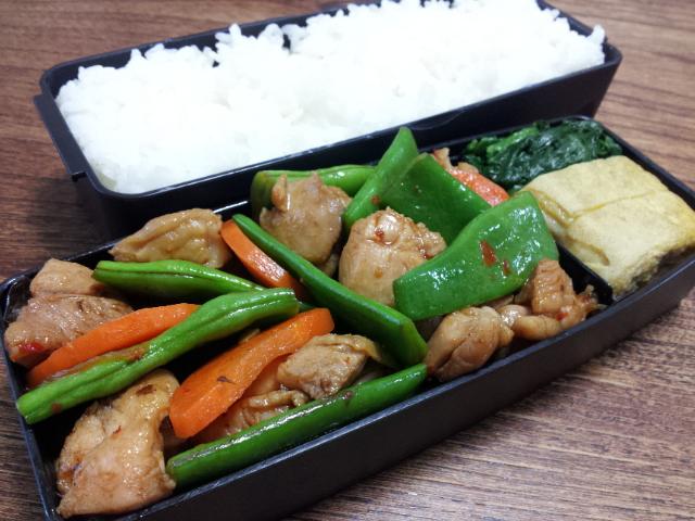 鶏肉とモロッコインゲンの甜麺醤炒め