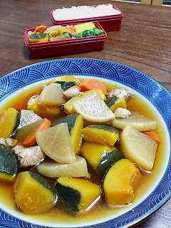 鳥肉とカボチャの煮物(<br />  妻の弁当)