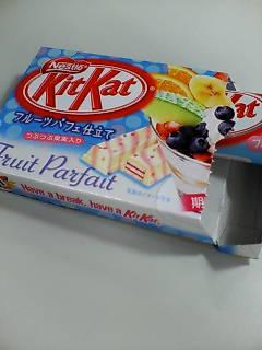 キットカットフルーツパフェ